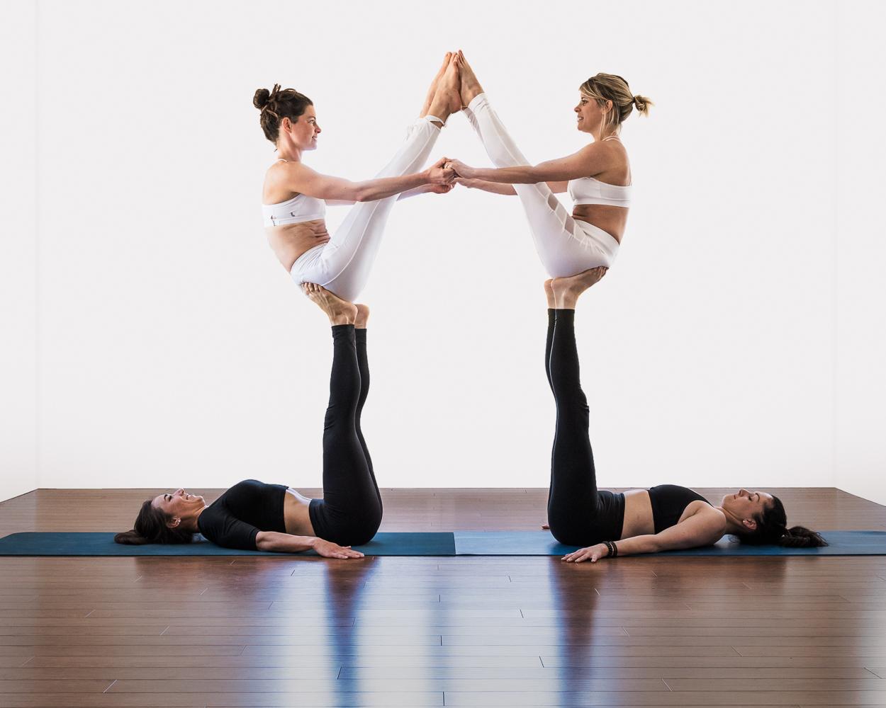 acroyoga, symétrie, équilibre, femmes, arthlétique, quatuor